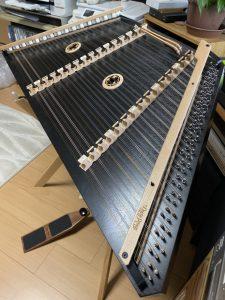 Dusty Strings ハンマーダルシマー Black Overture ダンパー付入荷